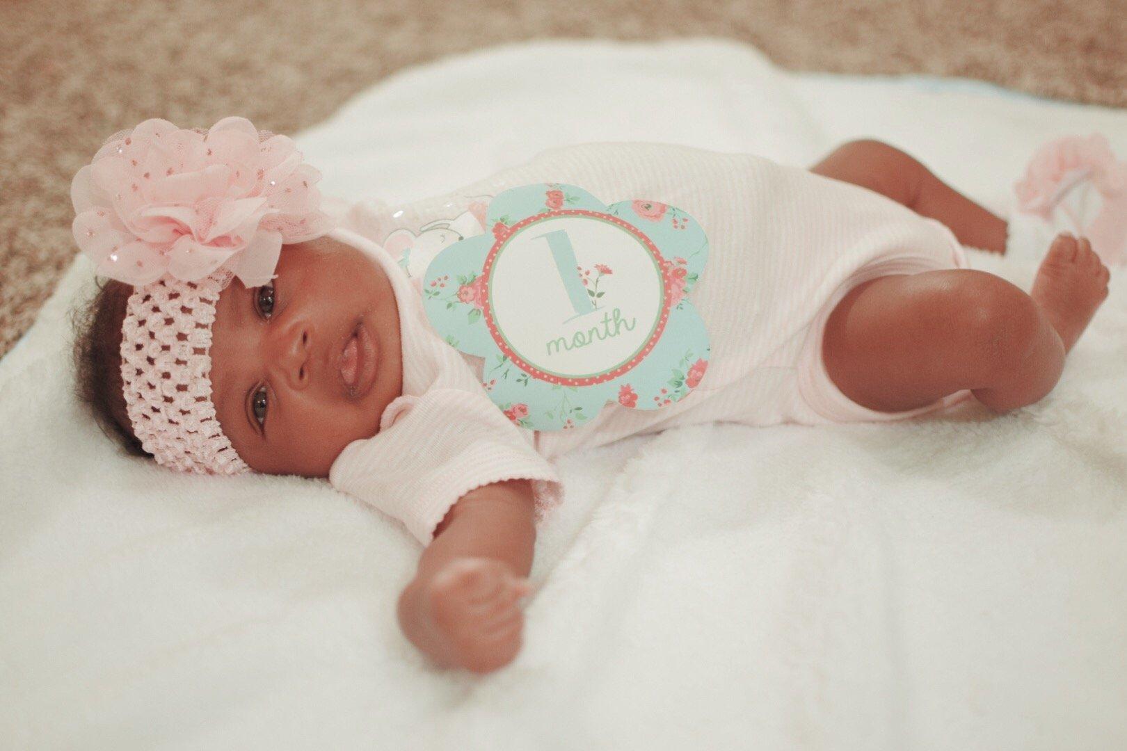 Zoe's One Month Pics!